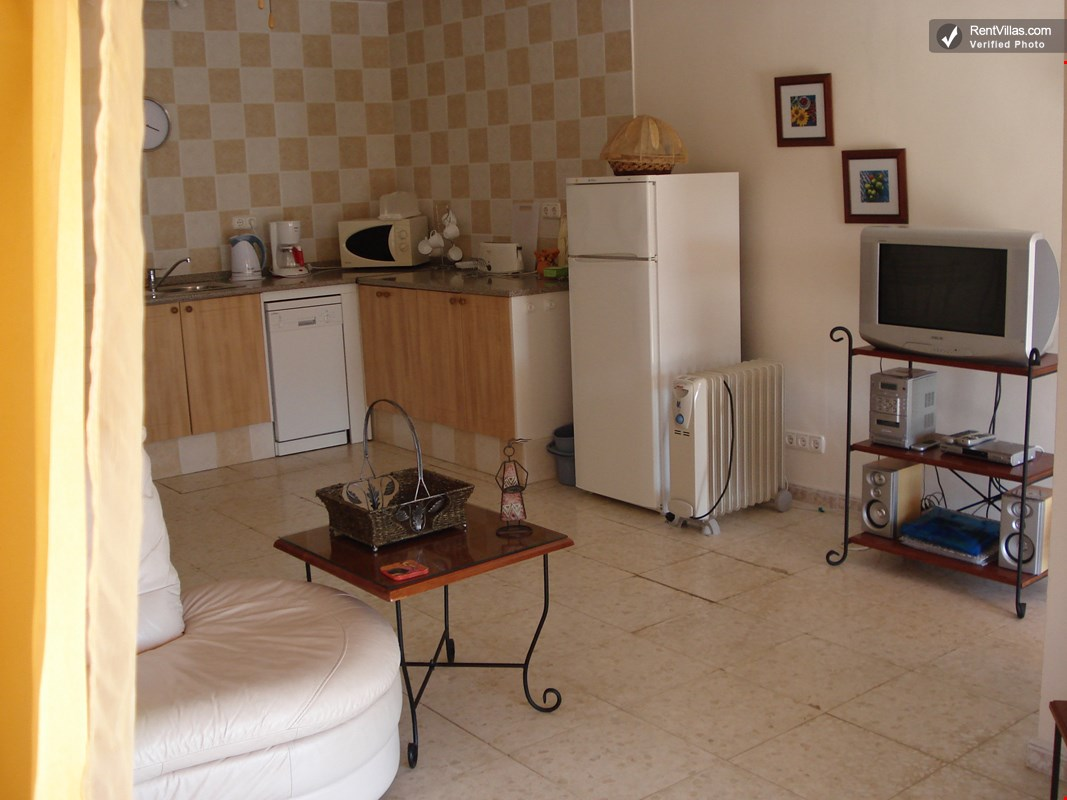 Photos of lovely self catering apartment for rent in - Lucia la piedra piscina ...
