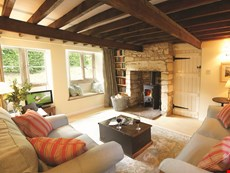 Photo 2 of Charming and Romantic Cottage in the English Countryside