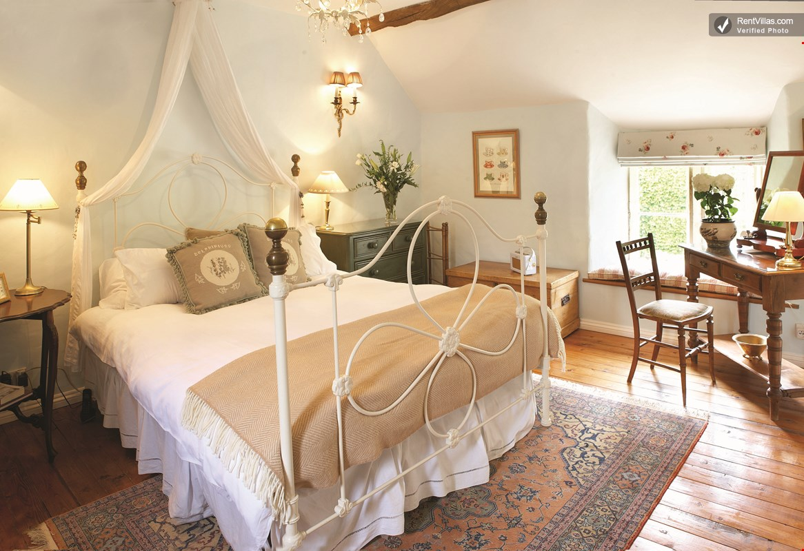 Photos Of Charming And Romantic Cottage In The English Countryside