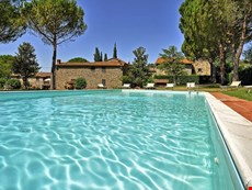 Photo 2 of Reviews of Farmhouse Rental on Tuscany-Umbria Border for Large Group