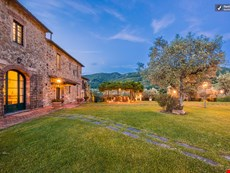 Photo of Beautiful Hilltop Villa in Tuscany with Spectacular Views