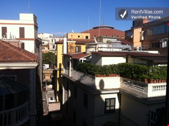 Image 2 of Photos of Apartment Rental in Rome City, Historic Center - Napoli 1 - RentVillas.com