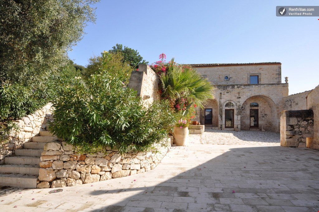 photo 1 of large villa with private pool in sicily - Villa Rental Sicily