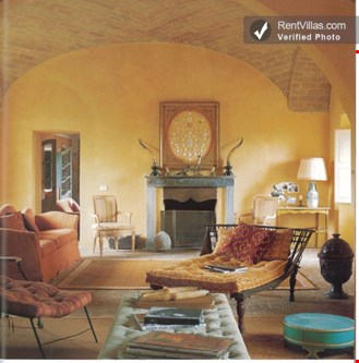 Photos of large chic tuscany villa with private guest for Tuscan view guest house