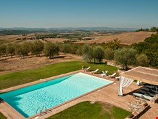 Photo 2 of Reviews of Large Farmhouse on a Wine Estate near Siena Fit for Families