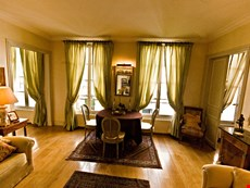 Photo 2 of Paris Apartment Left Bank, Elegant and Quiet