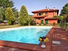 Photo of Family-Friendly Tuscan Villa with Private Pool